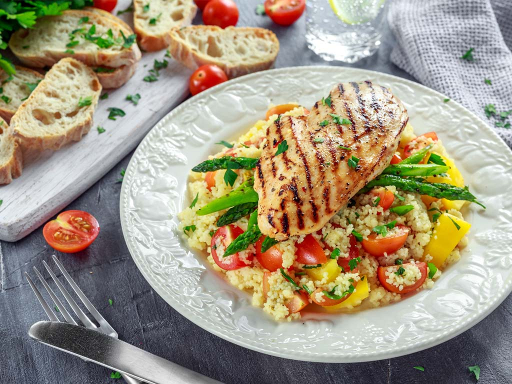 Quinoa with grilled chicken